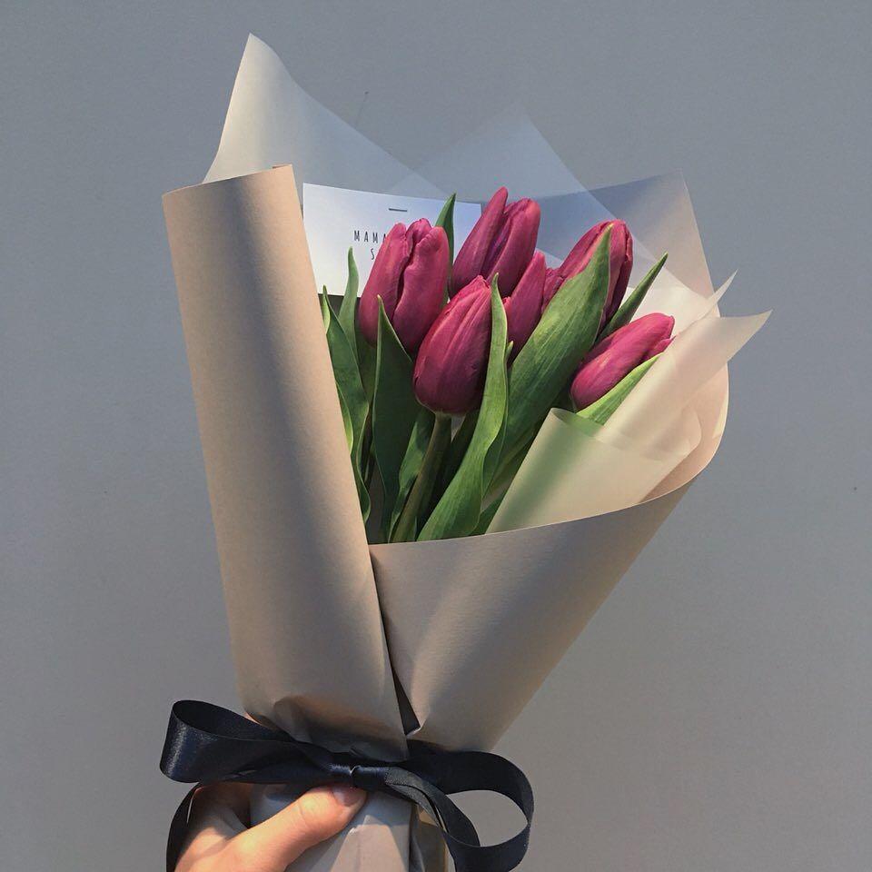 少なめ本数で、控えめな印象の花束