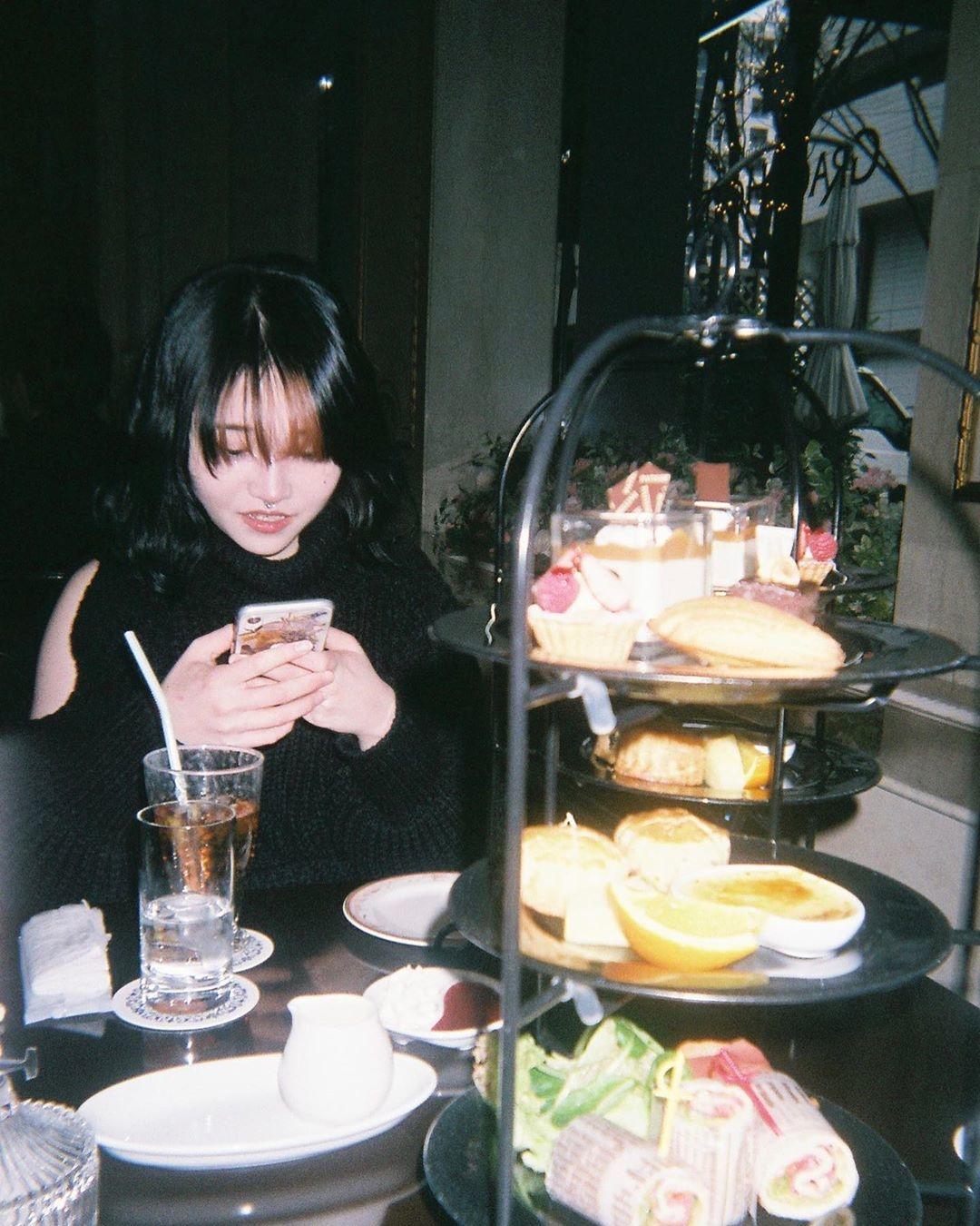 Step2:食べ物と一緒に撮ってみる