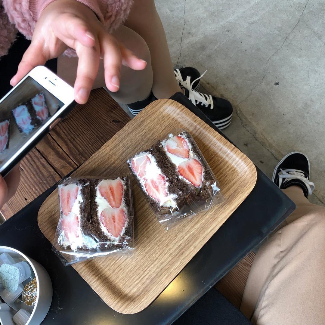 こだわりの食パン専門店|VIKING BAKERY F