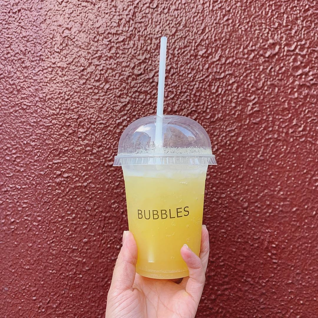 フルーツや野菜を使用したジュース|BUBBLES