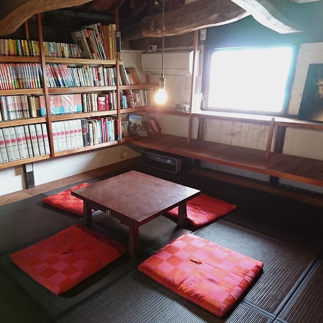 古民家図書館に併設するカフェ | 男木島図書館
