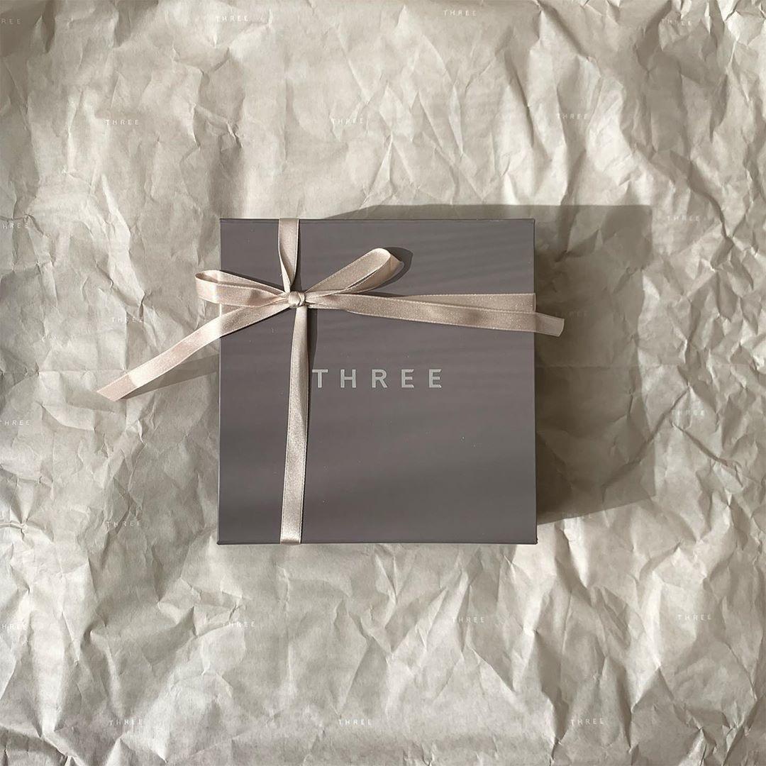 THREE|メンズスキンケアを贈る