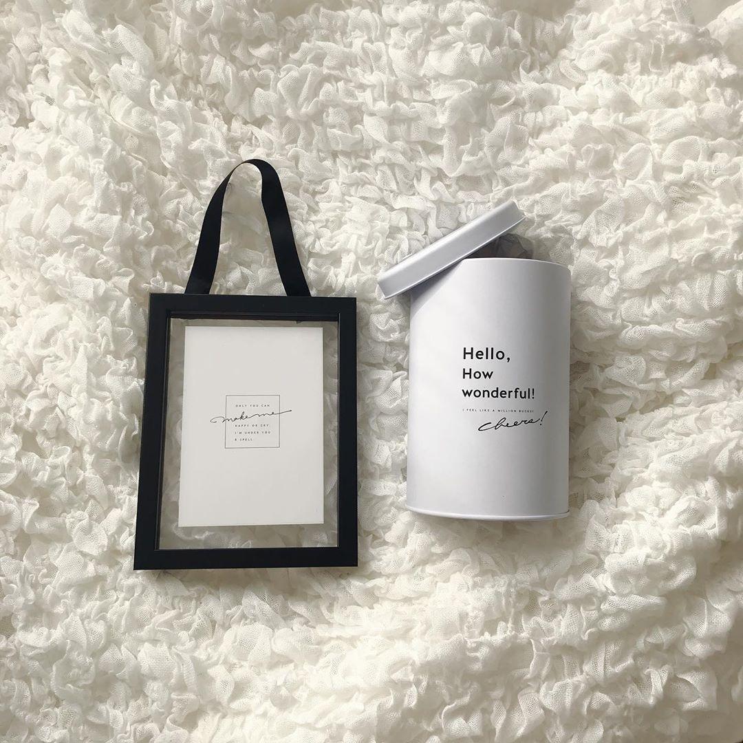 ①お部屋に添えたいモノトーン雑貨