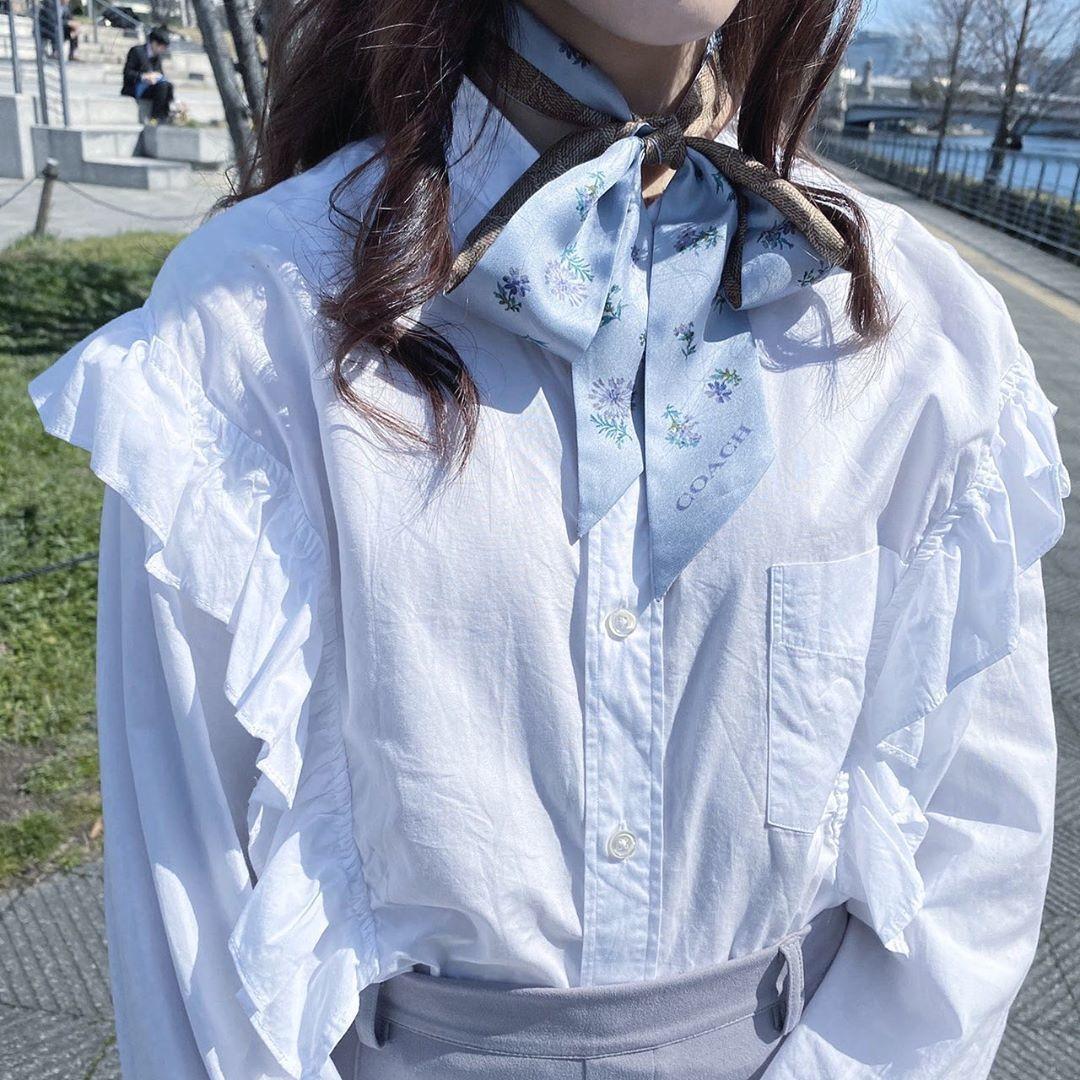 白ブラウスをもっと可愛く着るのだ♡