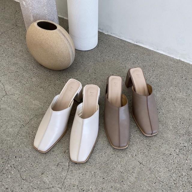 square toe mule