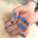 気分を上げてくれる7色の魔法。指先をレインボーで彩るカラフルな「虹ネイル」