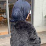 暗いのが好きだけどただの黒髪は嫌。それならブルー系で透明感をGETしよう