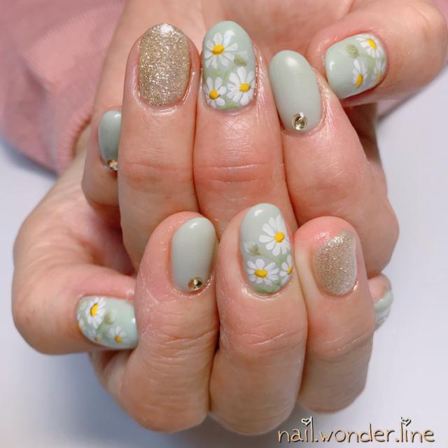 春に咲く花は爪にも咲かせて。4つの花言葉とともに思いを落とし込むネイル物語♡