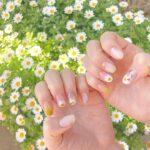 清楚な白の可愛らしいお花を指先に。マーガレットネイルのおすすめデザイン集
