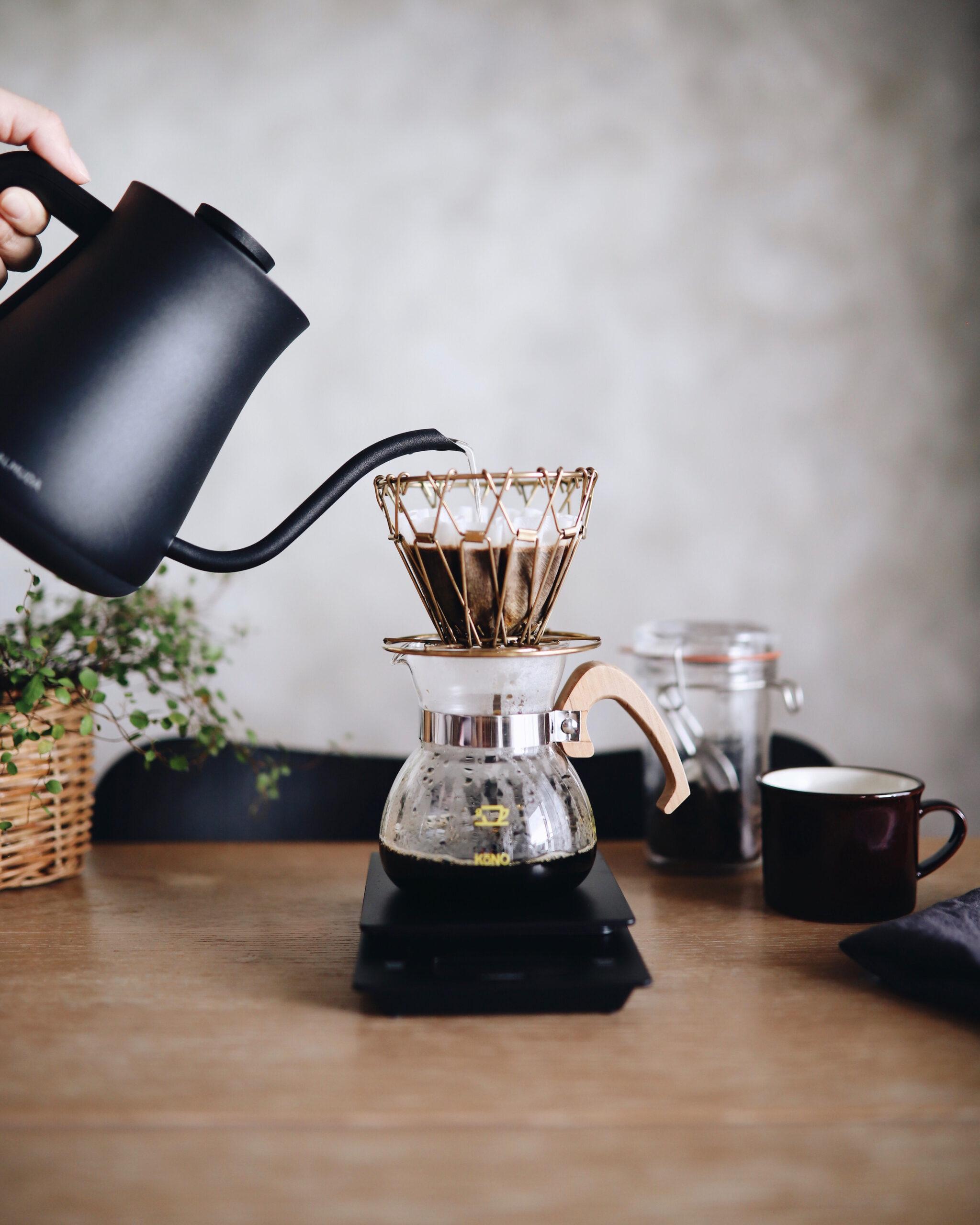 D君:コーヒーは豆から淹れられたらいいな~