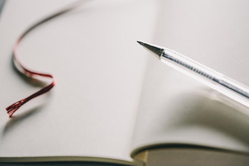 ペンはお気に入りの一色を見つけて