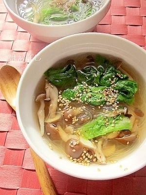 しめじとリーフレタスのピリ辛春雨スープ