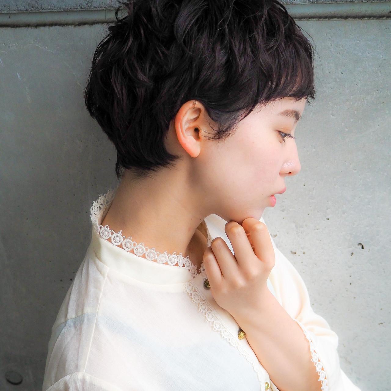 ③ ガーリーな可愛さ▶暗髪ショート