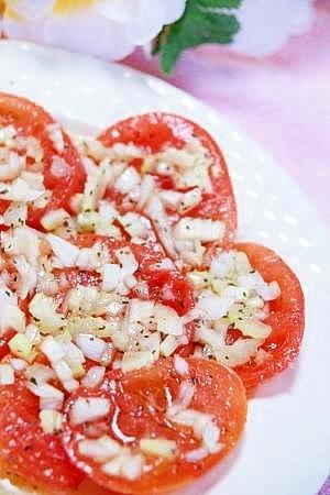 美味しい簡単♪トマトと新玉ねぎ★つけ込みサラダ★