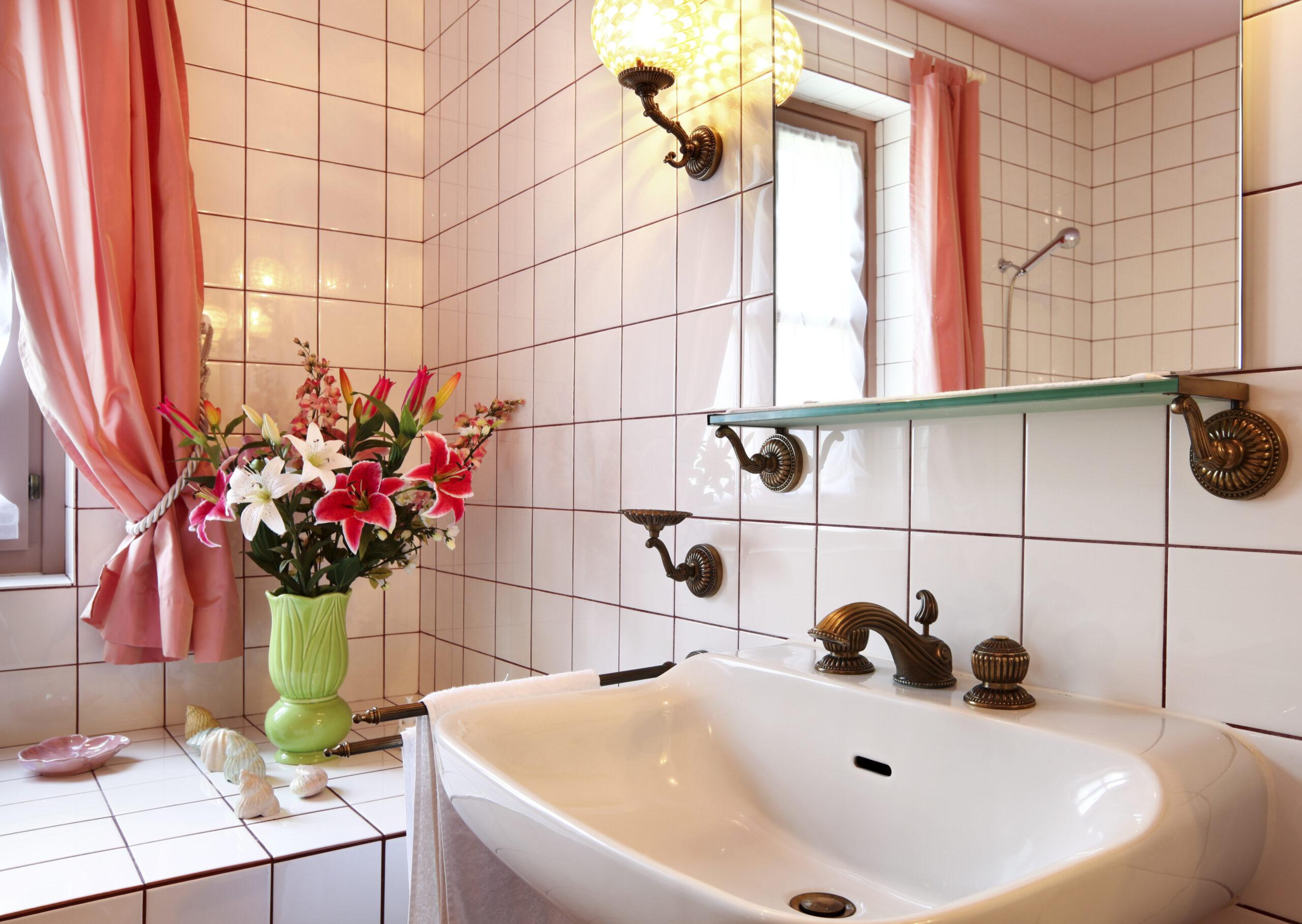 3|洗面台やお風呂の髪の毛を必ず取る