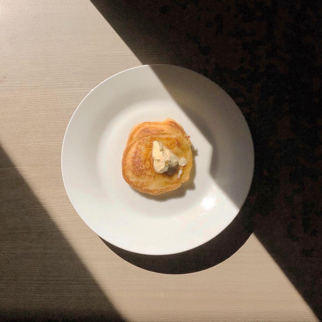 デザートが引き立つシンプルなプレート