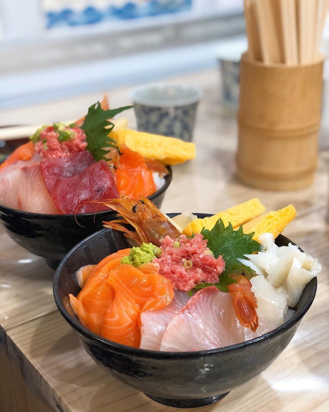 海鮮丼まるきた1号店
