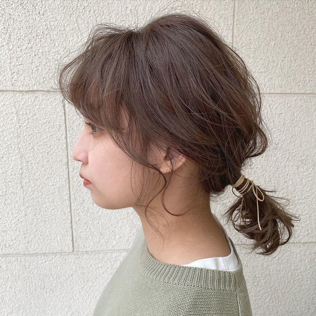 3|後れ毛をふわっとスタイリングする