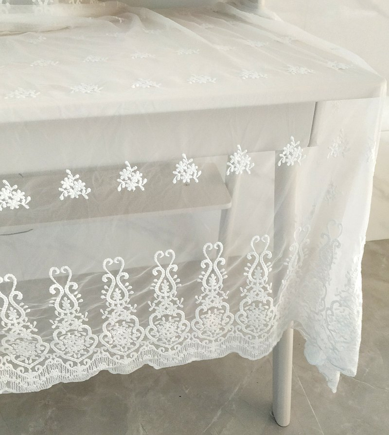 Lace screen embroidery tablecloth
