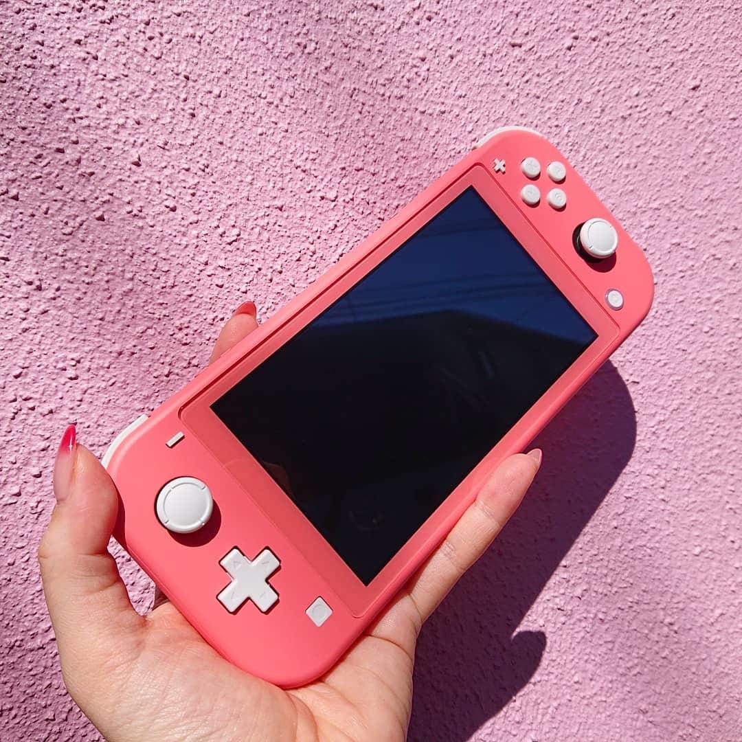 大人女子も楽しめちゃう!Nintendo Switch Liteの魅力とおすすめゲームをご紹介