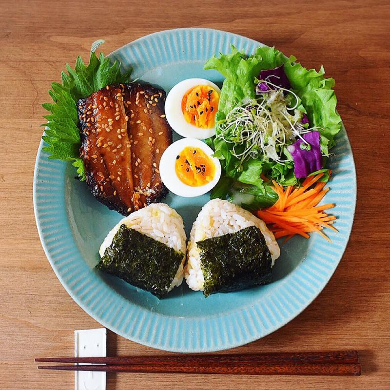 日本の母の味、おにぎり