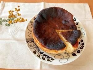 混ぜて焼くだけ簡単!!バスクチーズケーキ
