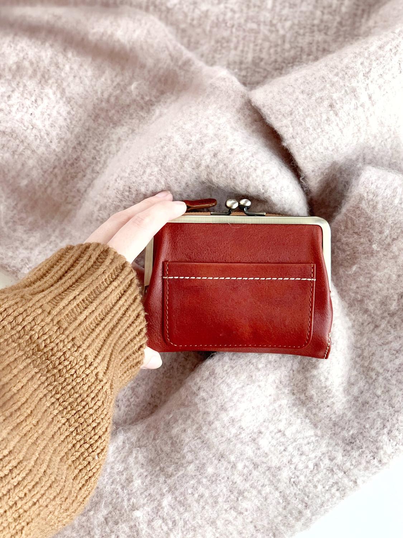 ミニ財布はスクエア形以外も
