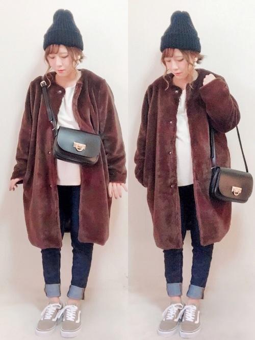 オーバーサイズのコートでゆるい可愛さを