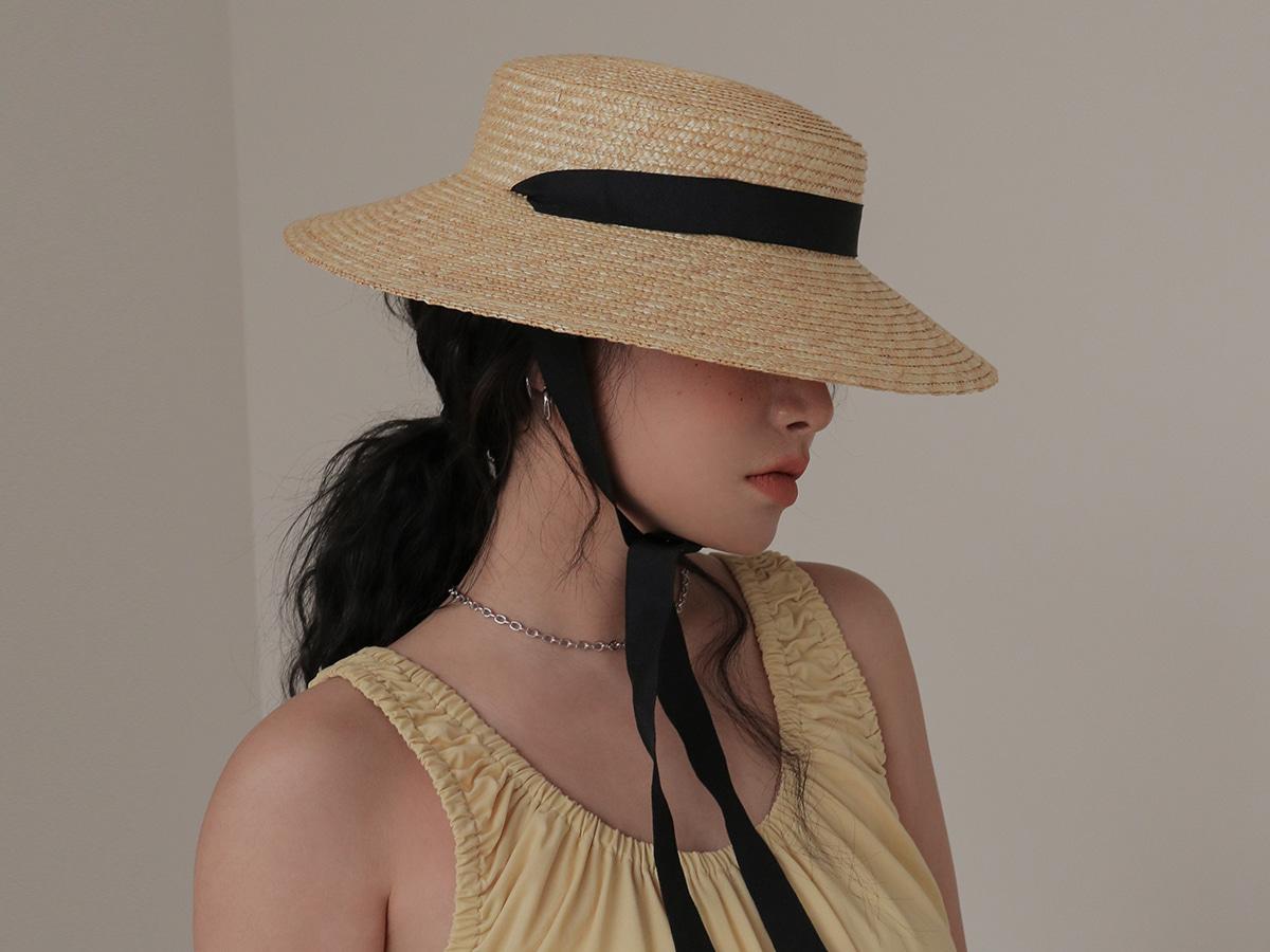 :夏のワンシーンには帽子が必需品