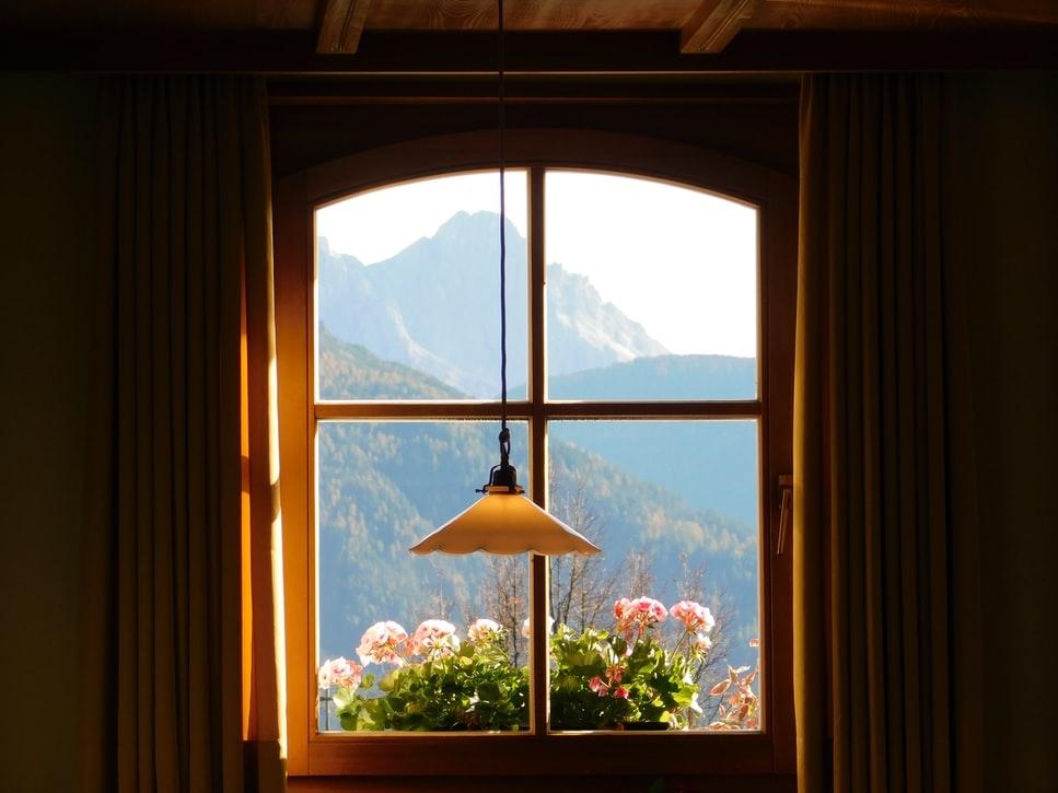 ①窓の開け方に注意しよう