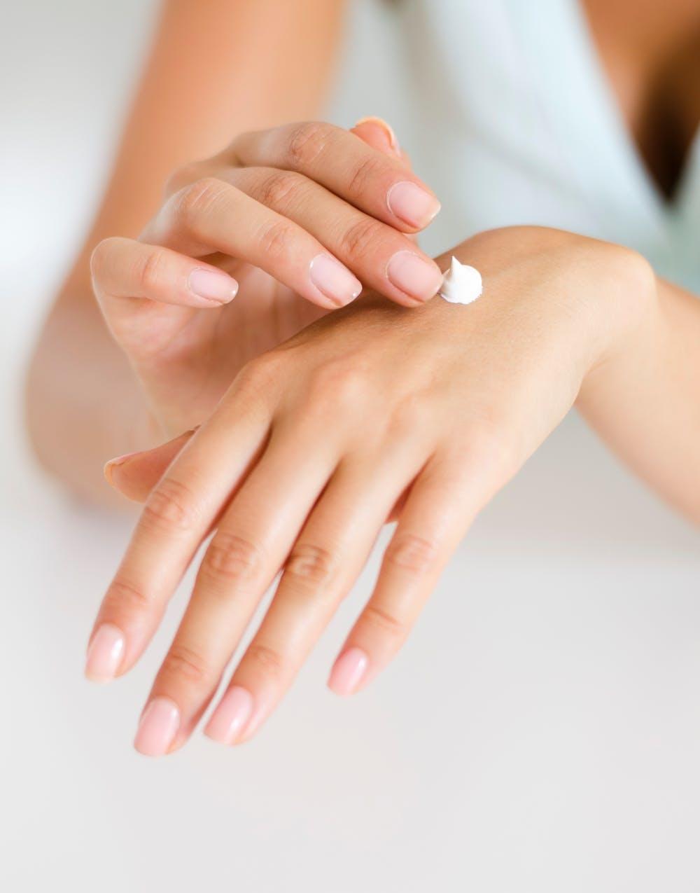A:自分の肌に合った美容液を選ぶように