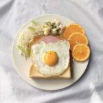 :くまさんの目玉焼きトースト