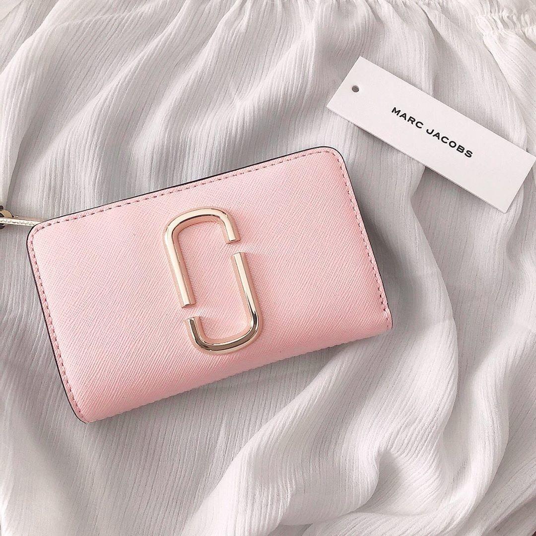 ②MARC JACOBSの財布