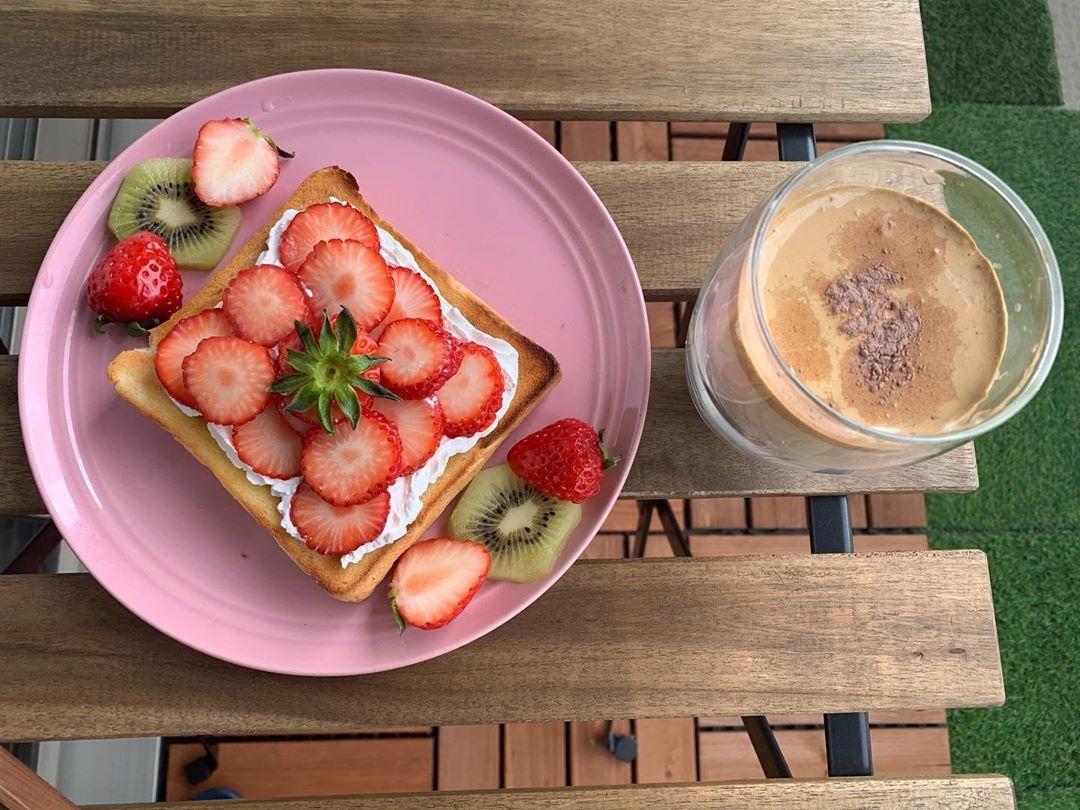 流行りのアレンジトーストもベランダカフェで