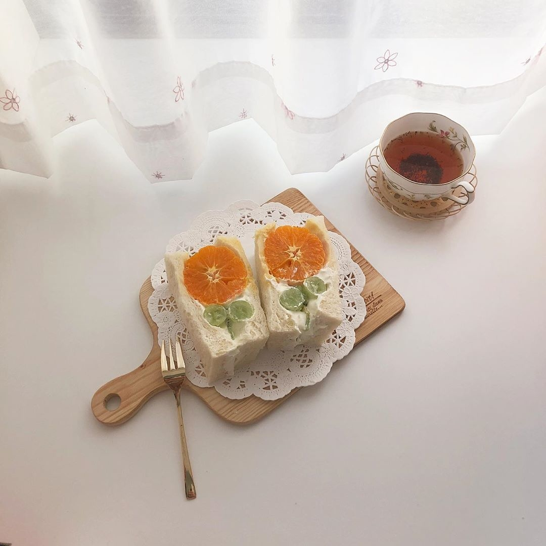 パッと鮮やかでフレッシュなオレンジ