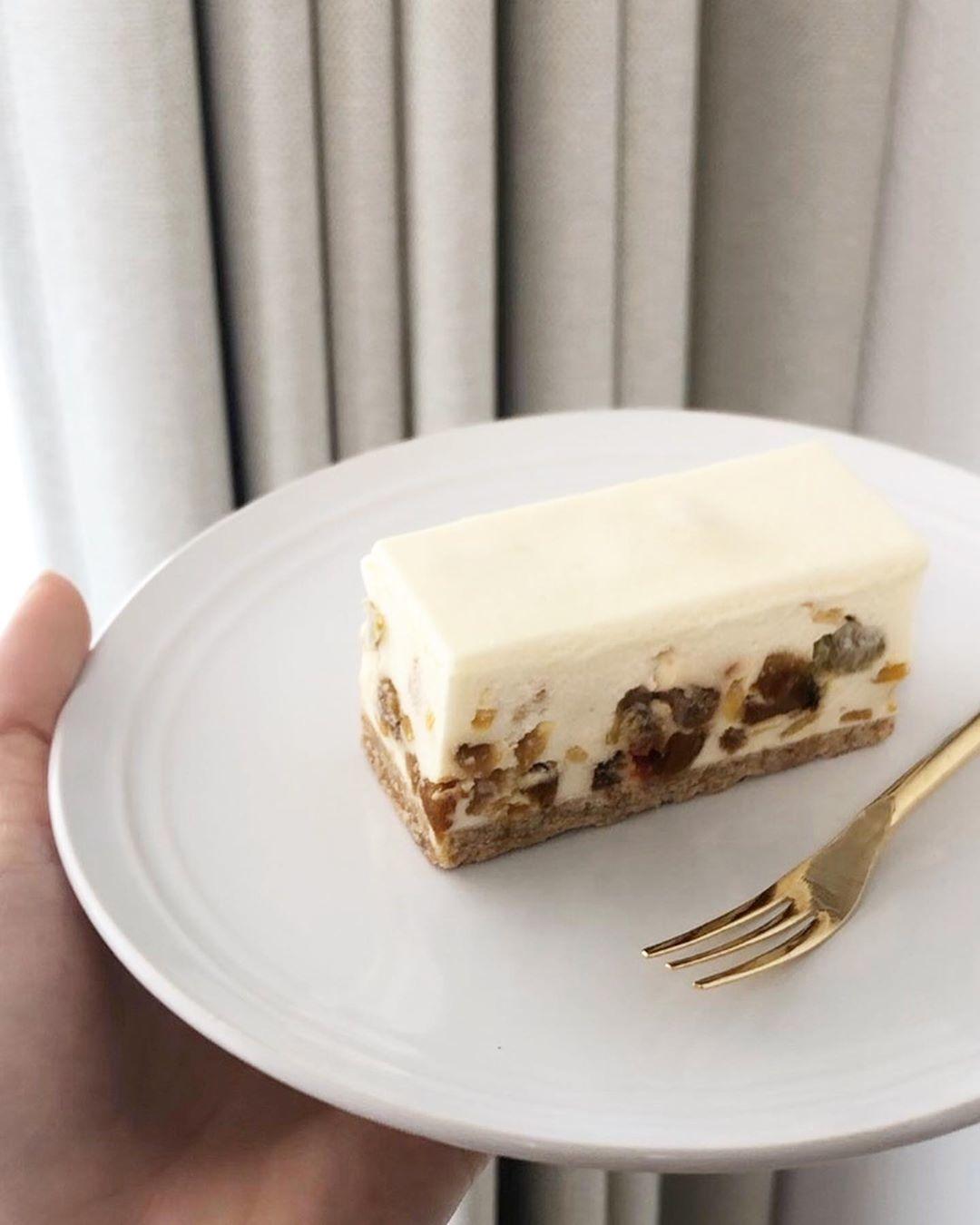 ドライフルーツのレアチーズ | コガネイチーズケーキ