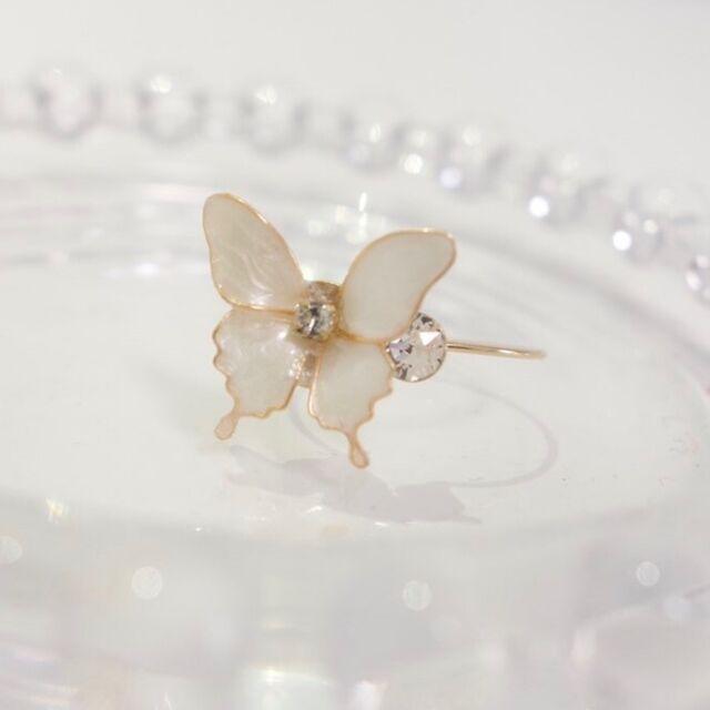 小さな蝶のリング