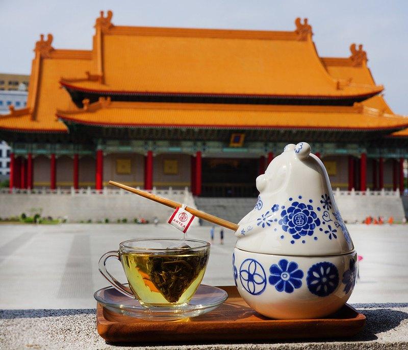 Tea bear pot