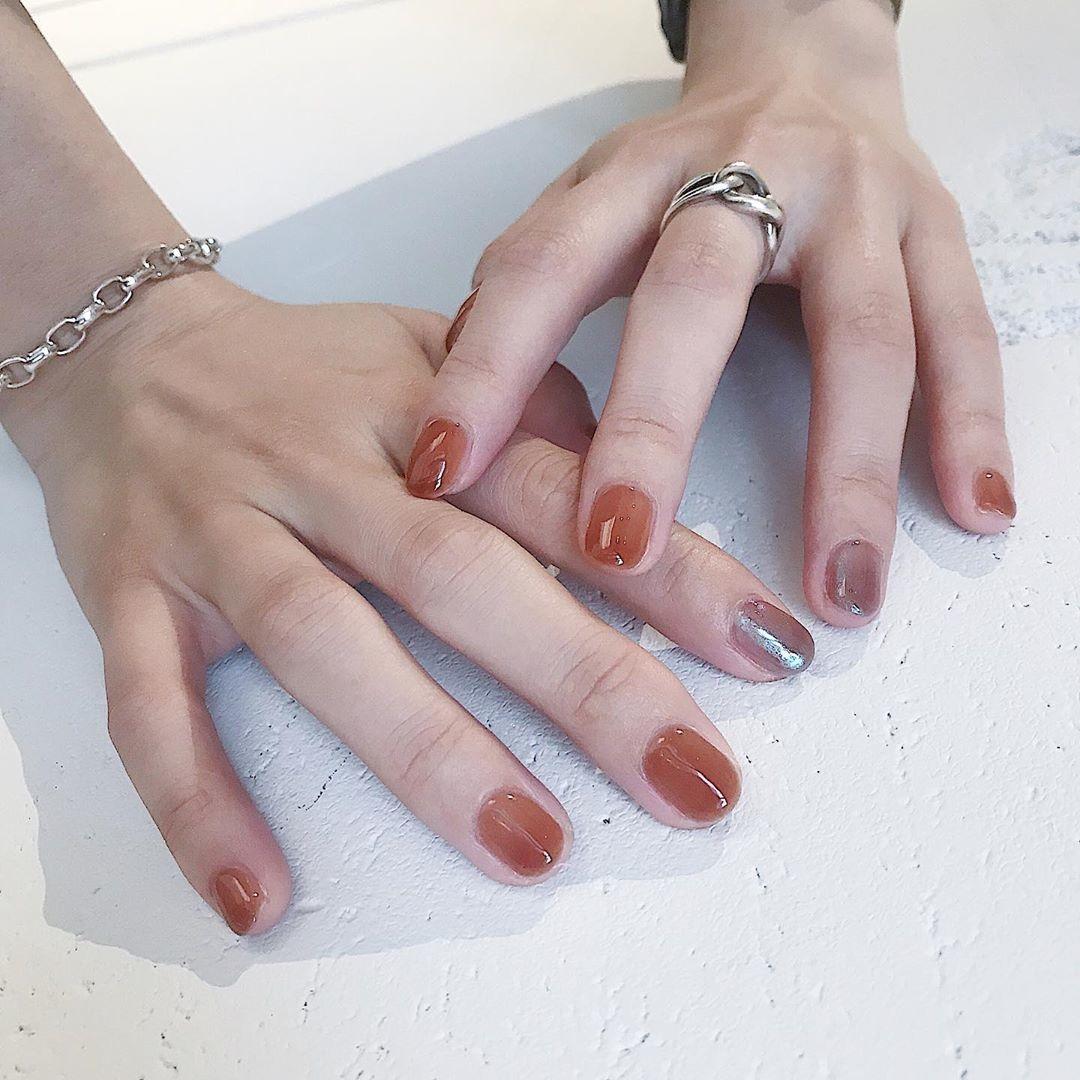 お気に入りのカラーを10本の指に。ワンカラーネイルを倍以上かわいく見せる方法