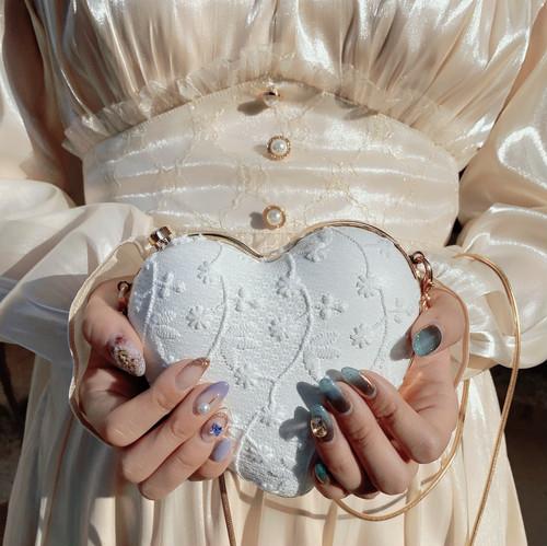 恋をしてる女の子ってカワイイ♡Netflixの日本&韓国16作品で胸キュン補給