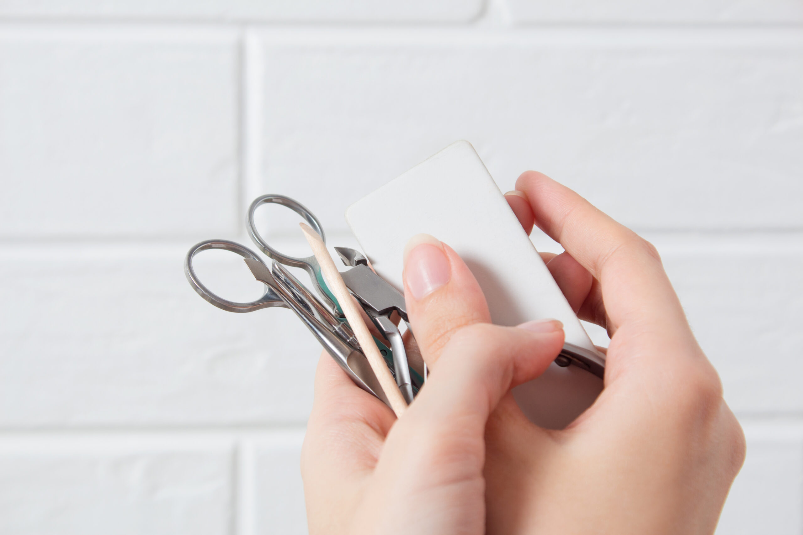 3STEPの簡単セルフ自爪ケアをご紹介