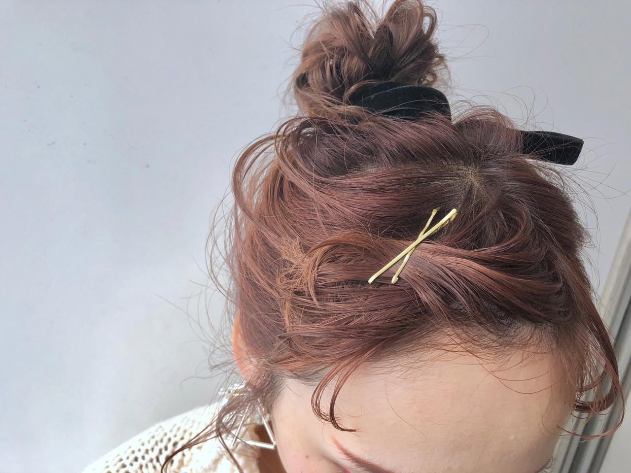 02|前髪をねじってヘアピンで固定しちゃう