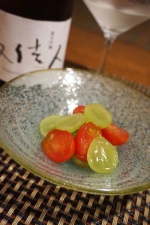 うちバル、ミニトマトとシャインマスカットのマリネ