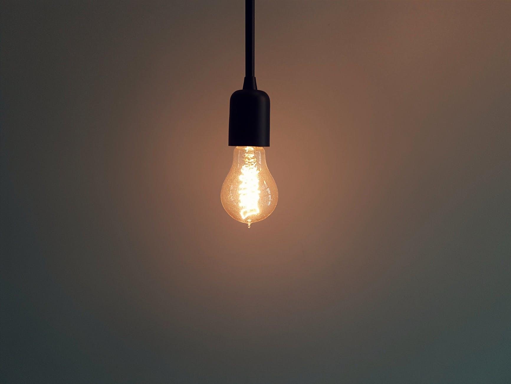 03|照明は落として寝やすい空間に