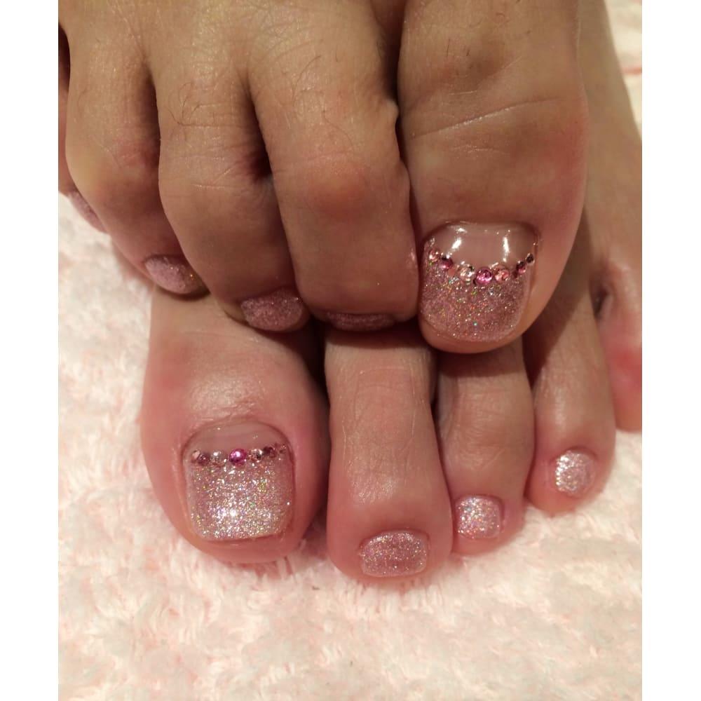 ピンクでまとめたガーリーなデザイン