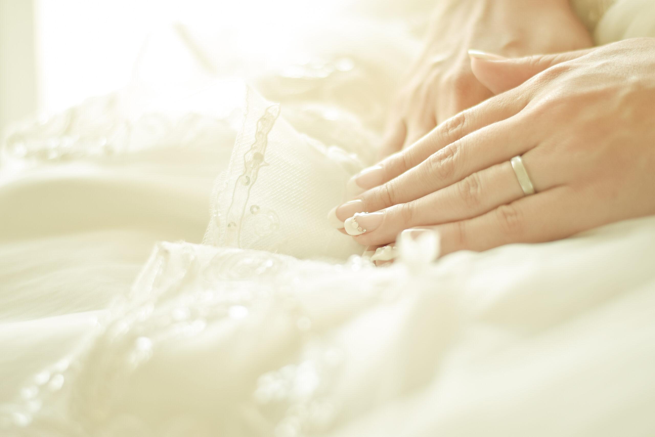 純白の花嫁にレースを添えて