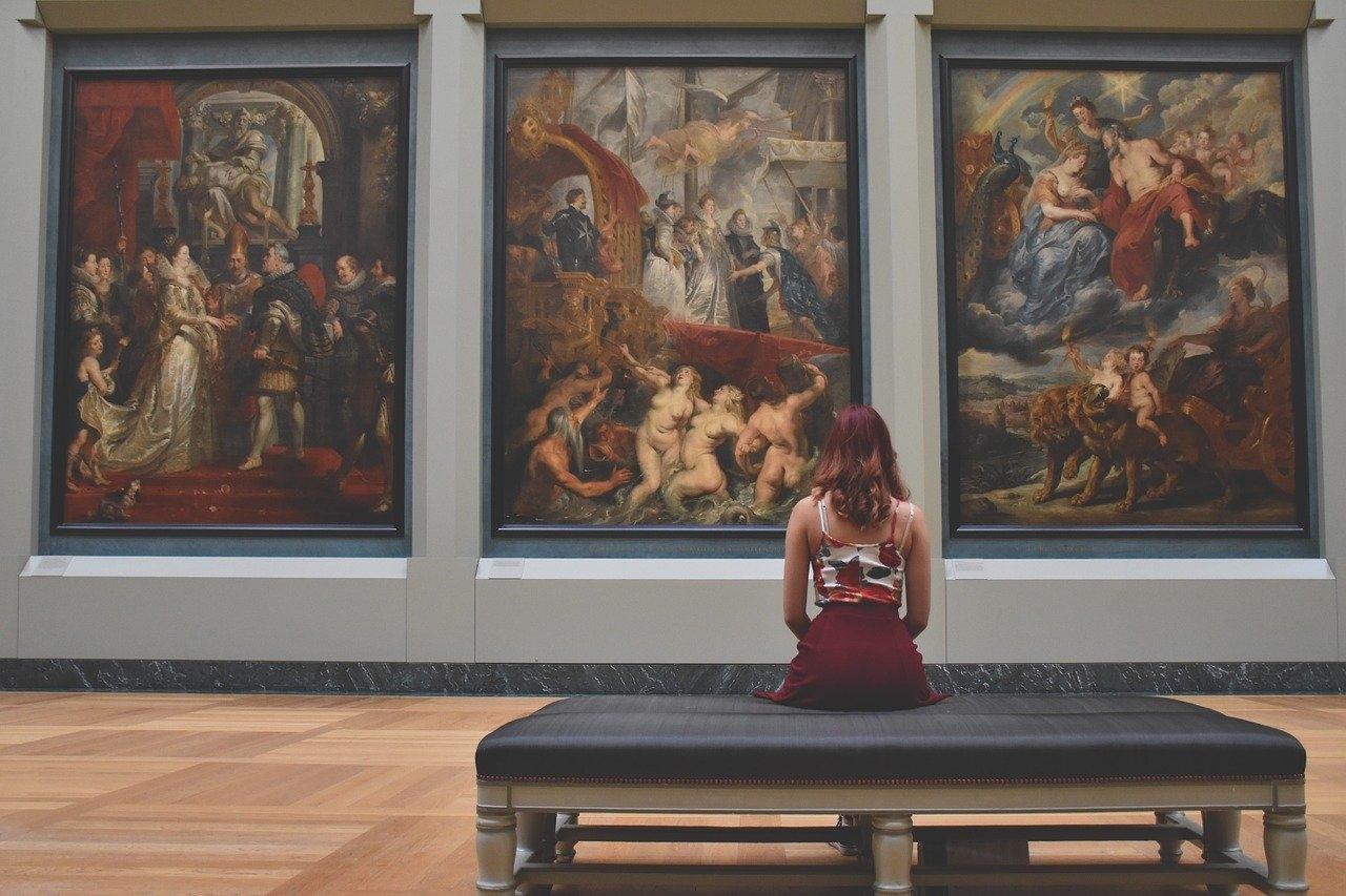 メイクをしながら美術館を巡りませんか?