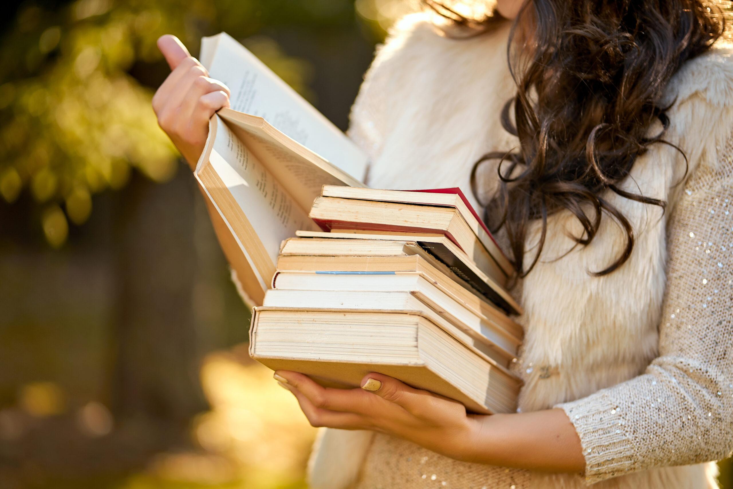 4 たくさんの本を読む