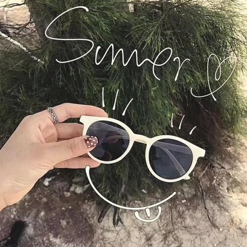 01|お気に入りのサングラスを入れて