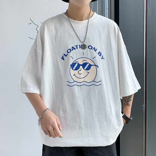 借りやすさ抜群:Tシャツ